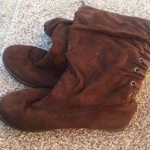 Roxy Back Lace Boots size 9